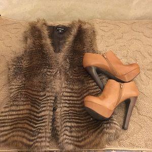 Bebe faux fur vest brown tones size S